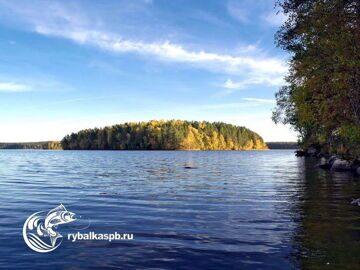 Остров на озере Зеркальное